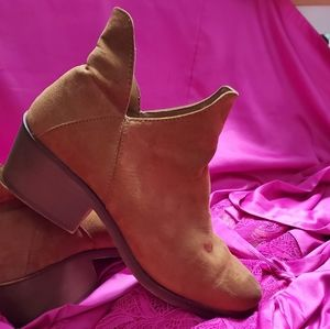 Forever 21 Brown Tan Boots/ Booties Block Heel